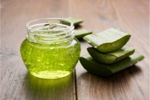 aloe vera gel can be mixed with coconut oil